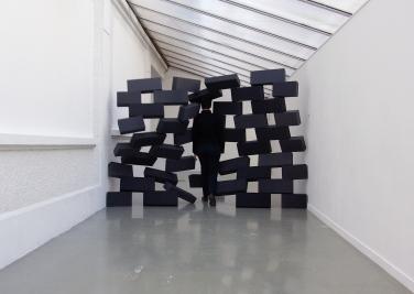 Mur Ecroulé (part 1). 2012, photographic diptych, 50 x 65 cm / Mur Ecroulé (partie 1). 2012, diptyque photographique, 50 x 70 cm