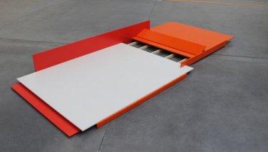 Lowrider. 2012, lacquer on MDF-board and wood, 320 x 141 x 30 cm / Lowrider. 2012, lacque sur planche de MDF et bois, 320 x 141 x 30 cm