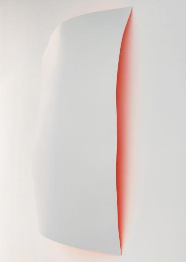 Back kick. 2014, lacquer and aerosol on dibond, 153 x 107 cm / Side kick. 2014, laque et aérosol sur dibond, 153 x 107 cm