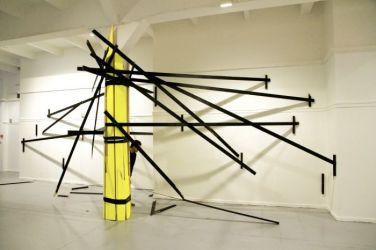 In the meantime. 2011, enamel paint on wood, tape, dimensions variable / In the meantime. 2011, peinture glycérophtalique, bois, bande, dimensions variables