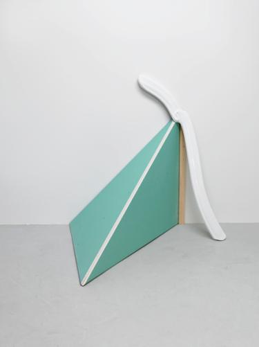FIRST CREAM, 2009, wood, plastic, 150 x 140 x 70 cm /FIRST CREAM, 2009, bois, plastique, 150 x 140 x 70 cm