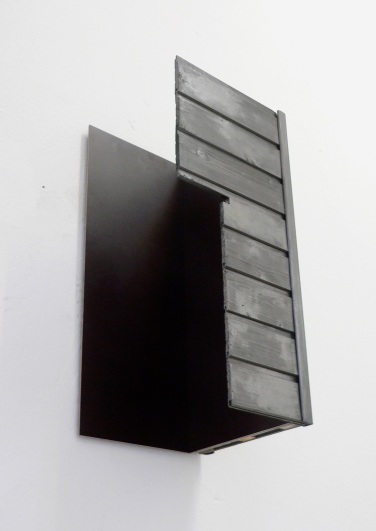 O.T. 2011, wood, graphite, MDF, 90 x 60 x 38 cm /O.T. 2011, bois, graphite, MDF, 90 x 60 x 38 cm