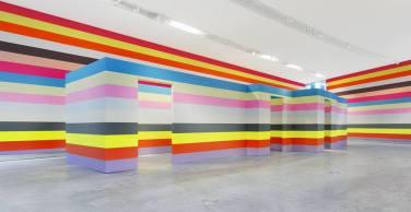 WALL PAINTING No.379, Untitled. 2014, acrylic on wall, 450 x 9000 cm / PEINTURE MURALE No.379, Sans titre. 2014, acrylique sur mur, 450 x 9000 cm
