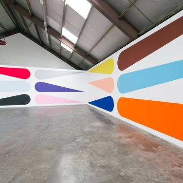 WALL PAINTING No.398, Grip. 2014, acrylic on wall, 370 x 2290 cm / PEINTURE MURALE No.398, Grip. 2014, acrylique sur mur, 370 x 2290 cm