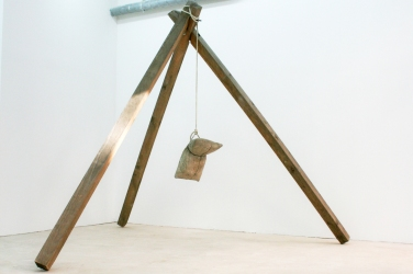BENJAMIN SABATIER Untitled. 2013, cement, wood, rope, 300 x 300 x 300 cm. In collaboration with Jousse Entreprise / Sans titre. 2013, ciment, bois, corde, 300 x 300 x 300cm. En collaboration avec Jousse Entreprise