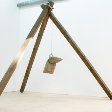 BENJAMIN SABATIER Untitled. 2013, cement, wood, rope, 300 x 300 x 300 cm. In collaboration with Jousse Entreprise / Sans titre. 2013, ciment, bois, corde, 300 x 300 x 300cm. En collaboration avec Jousse Entreprise