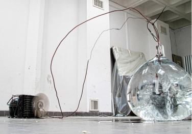 2009, air conditioning compressors, condenser freezer coca cola, evaporator of a beverage dispenser, pressure gauge, fridge's capillary, gas r404a, 220 volts / 2009, compresseurs de climatisation d'entreprises, condenseur d'un congélateur coca cola, évaporateur d'un distributeur de boissons, indicateur de pression, capillaires récupérés sur trois frigidaires individuels, gaz r404a, 220 volts
