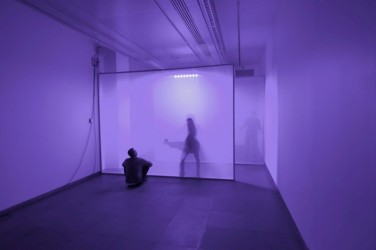 The Passage Room. 2009-2010, installation with scrim frames, exposed LEDs, spectro-sonic refrequencer (v1.0), dimensions variable / The Passage Room. 2009-2010, installation, cadres de canevas, LEDs, spectra-sonic refrequencer (v1.0), dimensions variables