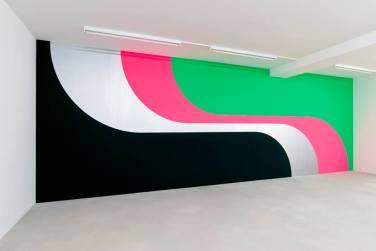 WALL PAINTING No.241, Grip. 2008, acrylic on wall, 285 x 820 cm / PEINTURE MURALE No.241, Grip. 2008, acrylique sur le mur, 285 x 820 cm