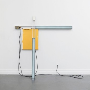 Peak Light Extractor - Grey/Yellow. 2011, resin, pigment, LEDs, wood, aluminum, enamel, dimensions variable / Peak Light Extractor - Gris/Jaune. 2011, résine, pigments, LED, bois, aluminium, émail, dimensions variables