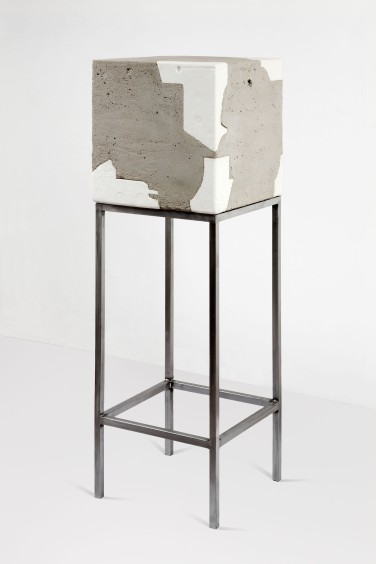 Protect. 2012, cement, polystyrene and metal, 150 x 50 x 50 cm / Protect. 2012, ciment, polystyrène et métal, 150 x 50 x 50 cm