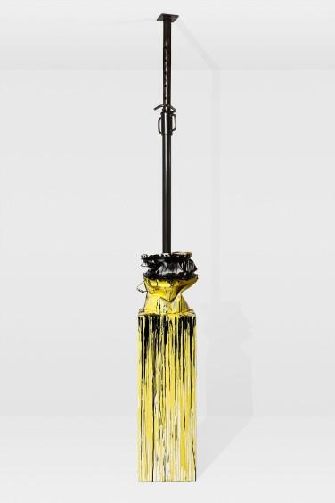 Etai VI, 2012. Etai, pot de peinture en métal, acrylique et résine sur socle en medium peint Hauteur réglable ( 240 - 330 cm) x 36 x 36 cm