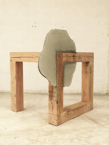 Cube. 2015, wood and cement, 140 x 100 x 100 cm / Cube. 2015, bois et ciment, 140 x 100 x 100 cm