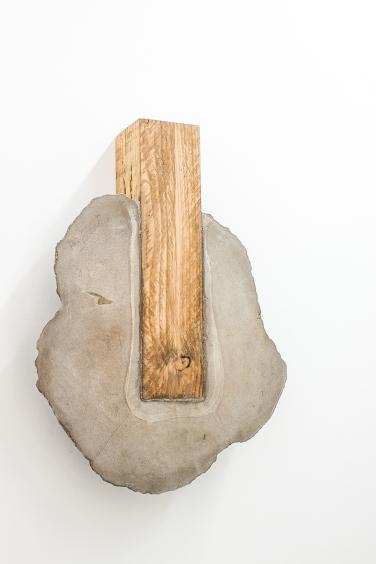 Untitled (Flaque 1). 2015, wood and cement, 80 x 59 x 15 cm / Sans titre (Flaque 1). 2015, bois et ciment, 80 x 59 x 15 cm