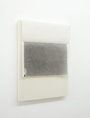 instantex B2698. 2015, canvas, paper, wood, 58,5 x 42 x 4,5 cm / instantex B2698. 2015, toile, papier, bois, 58,5 x 42 x 4,5cm