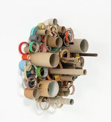 Leergut Nr.2 (Empties No.2). 1997, bobbins, cardboard rings for adhesive tape, 65 x 69 cm / Emballages Vides N°2. 1997, bobines, anneaux de carton pour le ruban adhésif, 65 x 69 cm