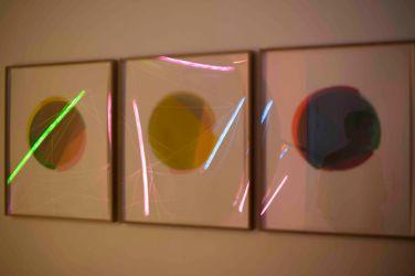 3/4 Kreisexzenter (N°1, 2, 3). 2015, transparent papers, 52 x 42 cm (56 x 47 cm framed) / 3/4 Kreisexzenter (N°1, 2, 3). 2015, papiers transparents, 52 x 42 cm (56 x 47 cm encadré)
