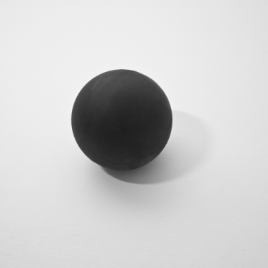 Black Holes. 2014, ferrite, dimensions variable. © Dimitri Mallet / Black Holes. 2014, ferrite, dimensions variables. © Dimitri Mallet