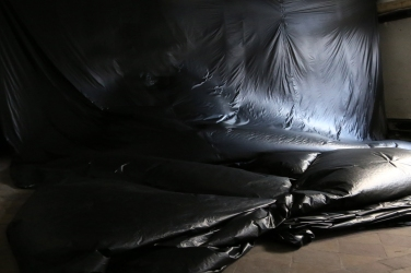 PERRINE LACROIX Via aerea. 2016, polyethylene, 5 x 20 m / Via aerea. 2016, polyéthylène, 5 x 20 m