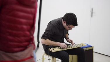 Screenshot de la performance Untitled (garage a bit)