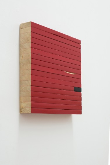 Clemens Hollerer, Scatterbrain - 2014. Bois et peinture / wood and paint, 30 x 30 cm